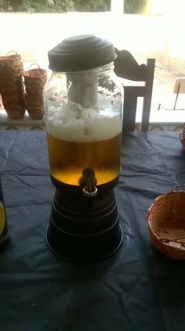Torre de chopp , cerveja ou suco