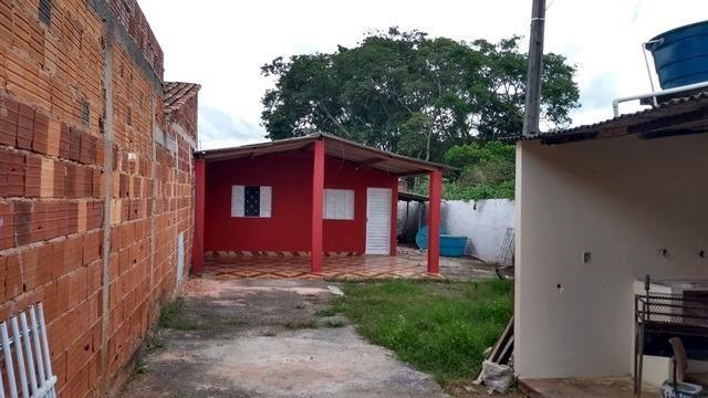 Samuel Pereira oferece: Casa em condomínio fechado de 3 Quartos + Casa de apoio