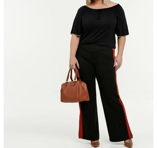 Calça Plus size preta com detalhe vermelho - Foto 5