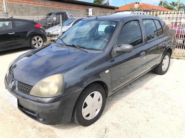 Renault/ Clio sedan 1.0 completo 2004