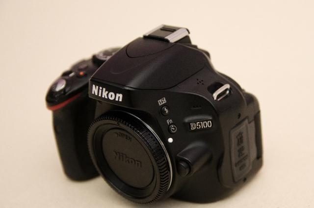 Kit Nikon D5100 + Lente+grip+bateria Extra + Cartão Sd + Bolsa -Muito Nova - Foto 5