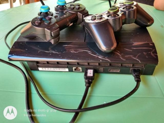 Playstation 3 com 30 jogos + 2 emuladores com 60 jogos