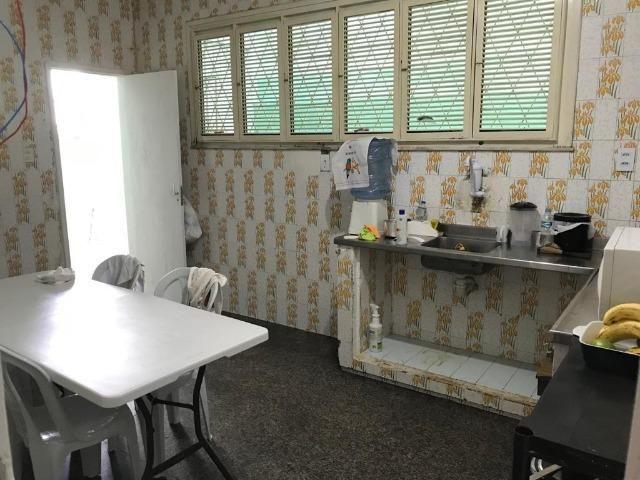 Casa com 4 dormitórios para alugar, 400 m² por R$ 3.500/mês - Foto 2