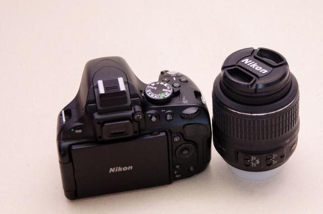 Kit Nikon D5100 + Lente+grip+bateria Extra + Cartão Sd + Bolsa -Muito Nova - Foto 2