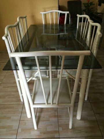 Mesa com um conjunto de 6 cadeiras - Foto 3