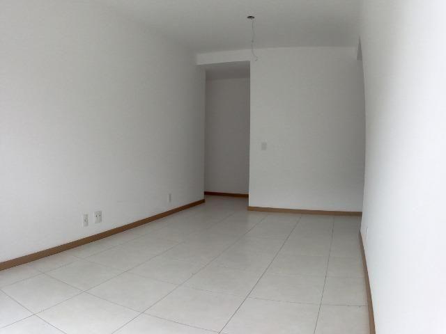 APM-09-Apartamento com Excelente Quintal Próximo ao Centro Comercial de Laranjeiras - Foto 6