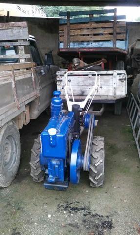 Tobata tr8 com carreta rotativa e roçadeira