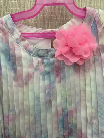 Vestido plissado H&M tamanho 5-6 - Foto 3