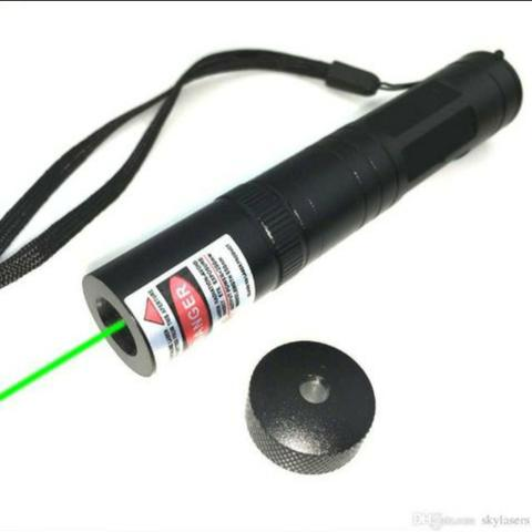 Super Caneta Laser Pointer Verde Longo Alcanse 18 Km - Foto 2