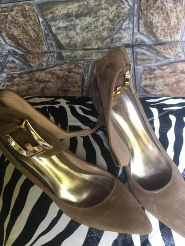 0c7080294 Sapato alto camurça vermelha número 34 - Roupas e calçados - Vila ...