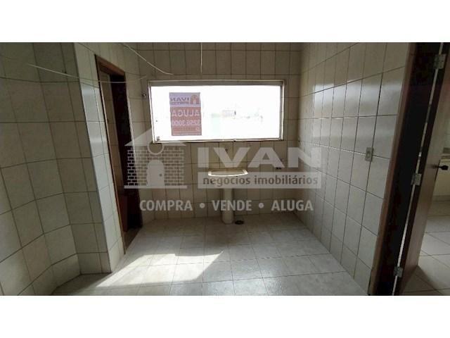 Apartamento para alugar com 3 dormitórios em Lídice, Uberlândia cod:716839 - Foto 11