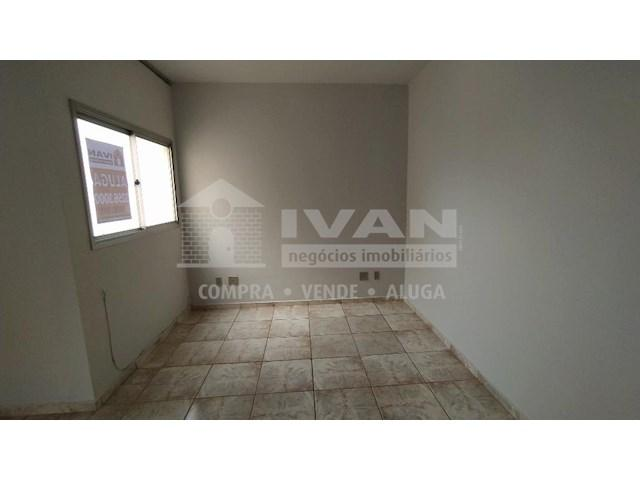 Apartamento para alugar com 3 dormitórios em Lídice, Uberlândia cod:716839 - Foto 7
