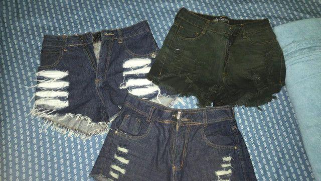 Lote cm 3 shorts número 38 forma pequena.