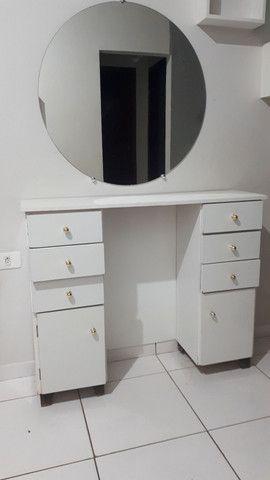 Espelho 80×80 e bancada 8 gavetas