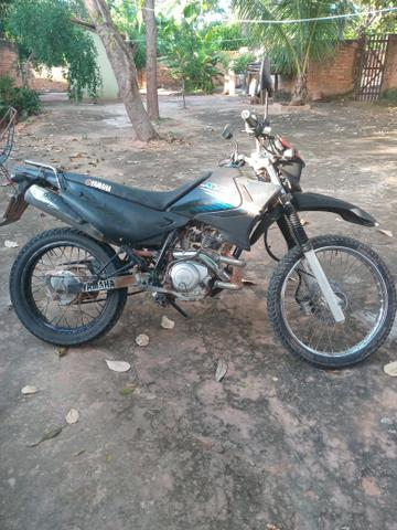 Vendo uma moto