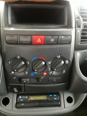Peugeot Boxer 2.3 Minibus 15/16L TB Diesel 2012 - Foto 10