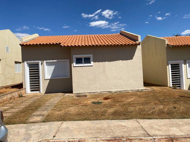 Vende se casa em Condomínio Fechado na região do Portal Shopping saída pra inhumas - Foto 3