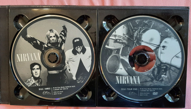 Box Nirvana - With The Lights Out (3 CDs, 1 DVD e 1 livro) - Foto 6