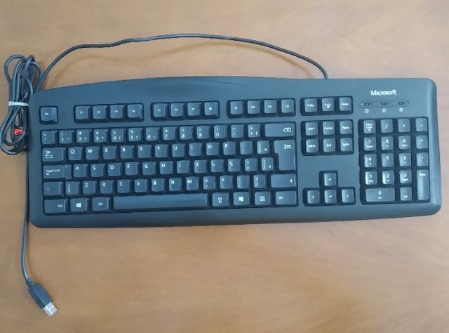 Teclado Microsoft Wired Keyboard 200 Preto - Foto 2