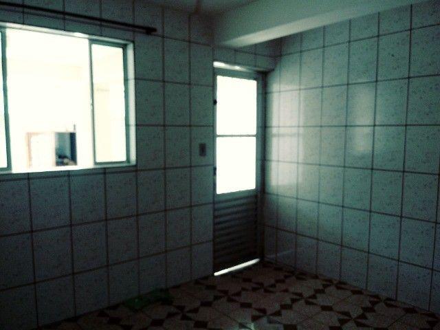 Aluga-se casa térrea 2 cômodos - Foto 11