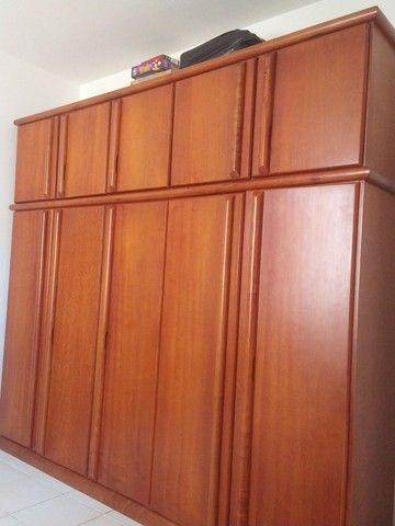 Armário de madeira 5 portas