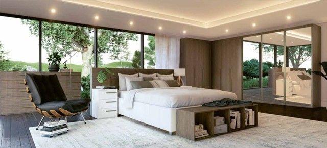 Conforto neste Dormitório Completo (Roupeiro/Canto/Complementos), R$12.893,61!