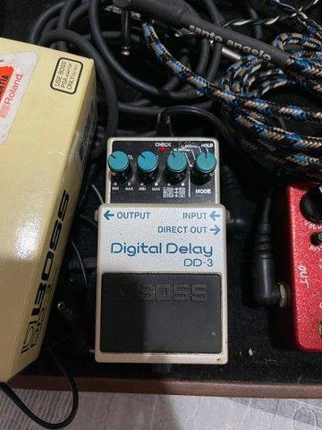 Pedal Boss Digital Delay DD3 com caixa