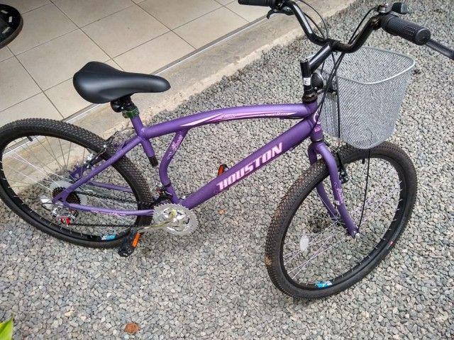 Bicicleta roxa/lilás aro 26 valor 650,00, aceito cartão falar com Andrei *  - Foto 2