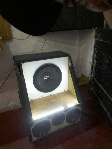 Vendo caixa de som pra corro e pra sua casa tbm movel