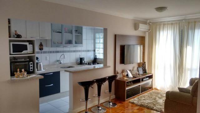 Apartamento 3 Dormitórios - Semi Mobiliado na Prospera em Criciúma