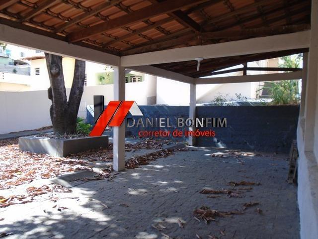 Casa de lote inteiro com quintal no melhor local do bairro Santa Helena - Foto 4