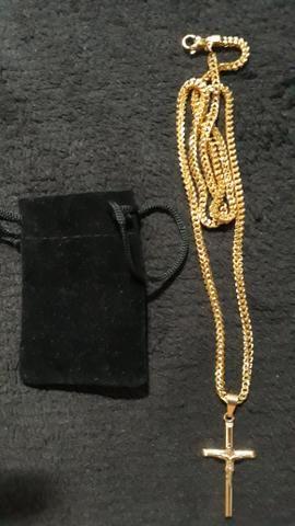 Cordão com crucifixo banhado a ouro 18k - Foto 5