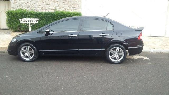 Honda Civic Sedan EXS 1.8 AUT.FLEX