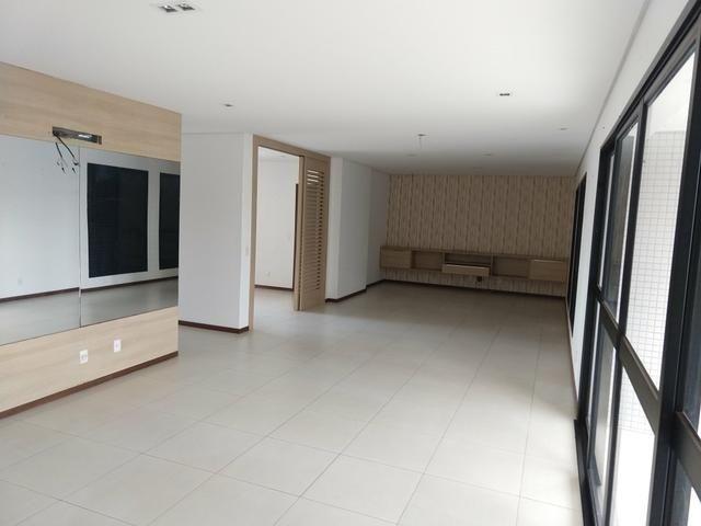 Apartamento no Edifício Villaggio siciliano 250 m2 4 mil - Foto 19