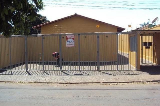 Casa Para Aluguel - 2 Quartos - Setor Sudoeste - Goiânia-Go