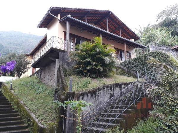 Excelente Casa c/2 Quartos no Quitandinha