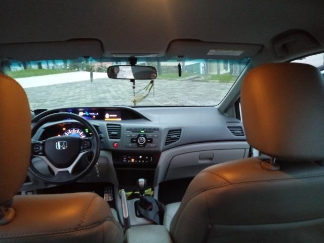 Honda Civic Lxs 1.8 Branco - Baixo KM - Foto 14