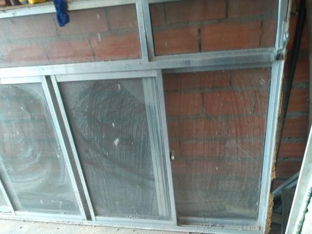 Vendo uma janela de alumínio de 2.00x1.20 eu entrego - Foto 2