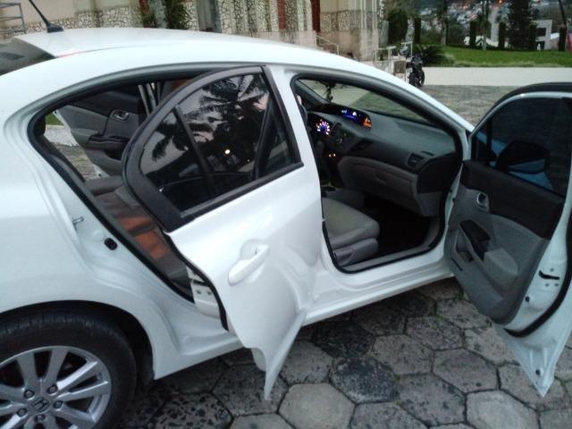 Honda Civic Lxs 1.8 Branco - Baixo KM - Foto 3