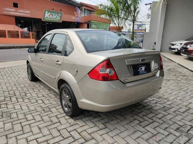Ford Fiesta Sedan  - Foto 8
