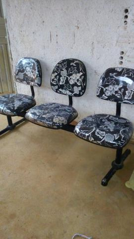 Vendo essas cadeiras de espera - Foto 6