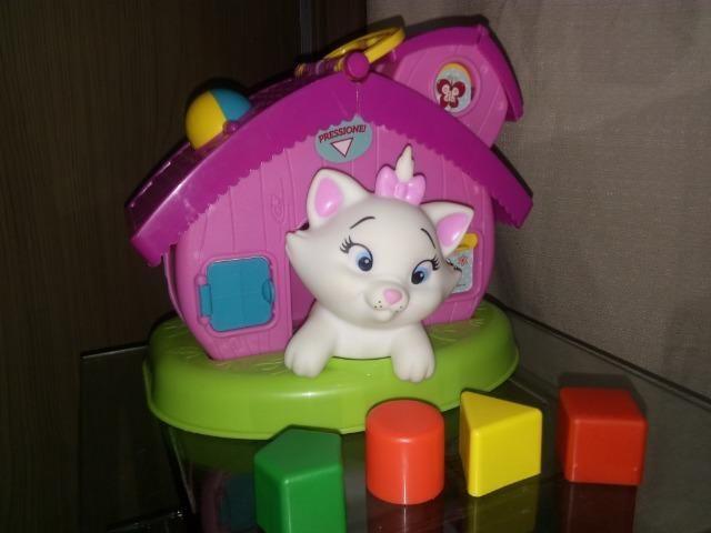 Casa gatinha c sons e blocos de encaixe