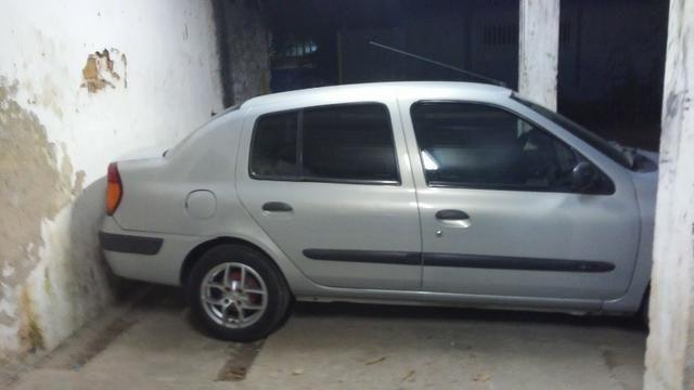 Renault Clio Sedan bem conservado (negociável) - Foto 6