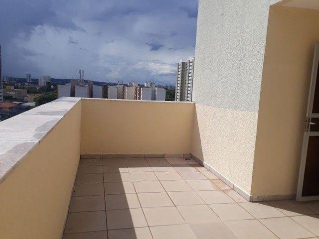 Cobertura duplex no Negrão de Lima com 2 vagas de garagem  - Foto 18