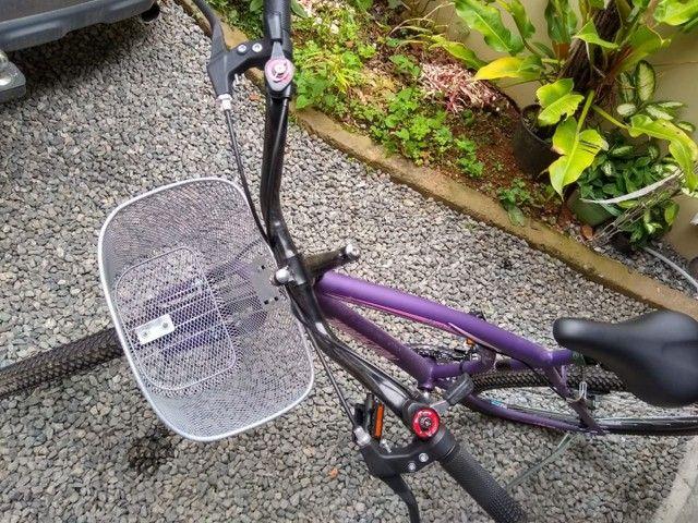 Bicicleta roxa/lilás aro 26 valor 650,00, aceito cartão falar com Andrei *  - Foto 3