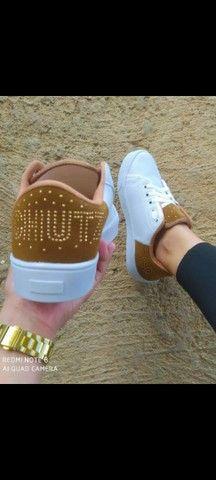 Vendo sapatênis Adidas e schutz ( 100 com entrega) - Foto 2