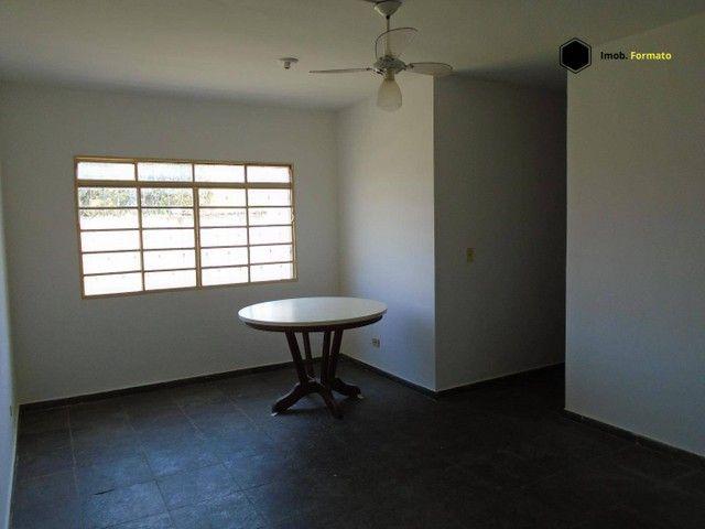 Apartamento com 2 dormitórios para alugar, 80 m² por R$ 950,00/mês - Vila Morumbi - Campo  - Foto 3