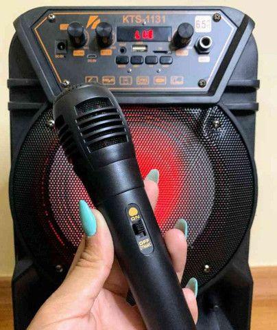 Caixa de som super potente c/ microfone e controle - Foto 2