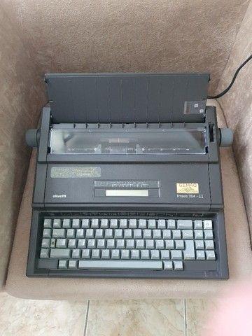 Maquina de Escrever Olivett - Praxis II Usada