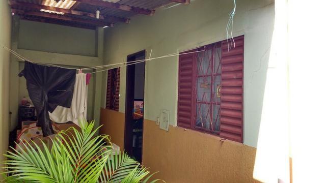 Casa por preço de lote Sobradinho 2 quartos Setor de Mansões. A casa possui: - 2 quartos,